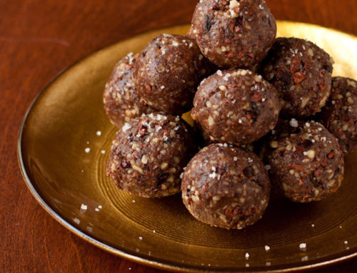 5 Ingredient Vegan Date Balls Recipe (Sugar Free)