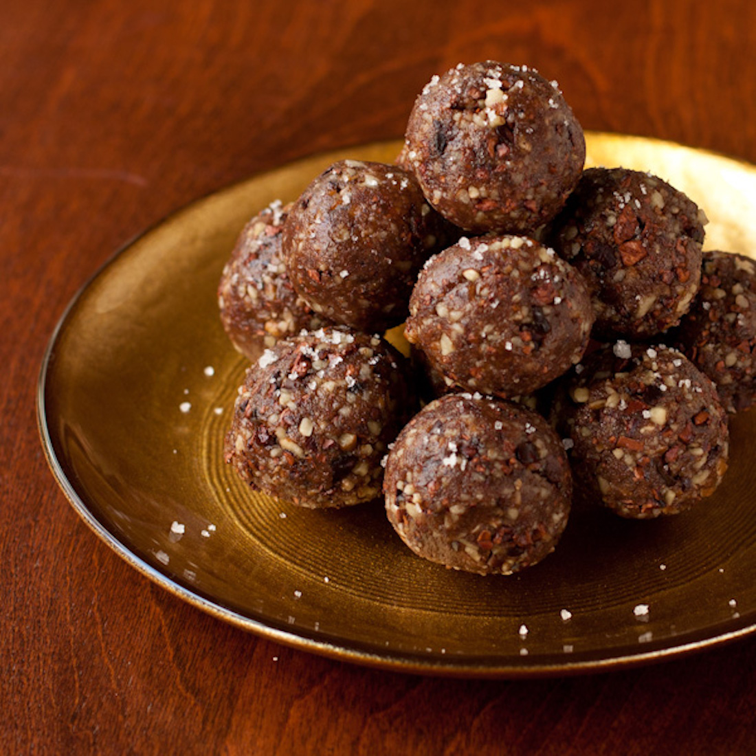 5 Ingredient Vegan Date Balls Recipe